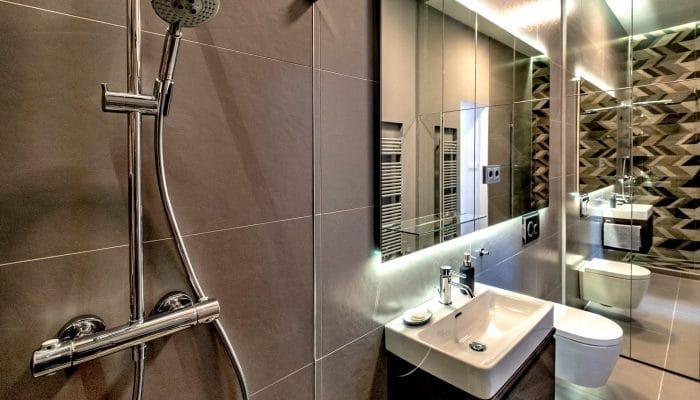 zuhanyzosfurdo